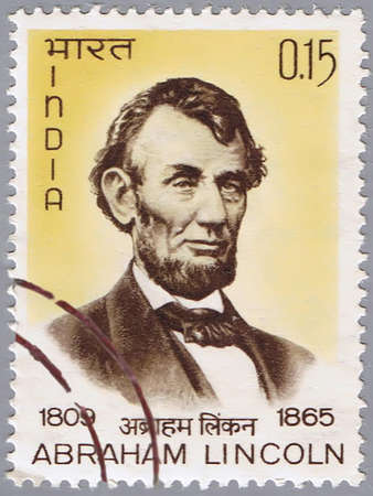abraham lincoln: INDIA - CIRCA 1965: A stamp printed in India shows a portrait of Abraham Lincoln, circa 1965