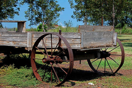 carreta madera: Viejo vag�n de madera Foto de archivo