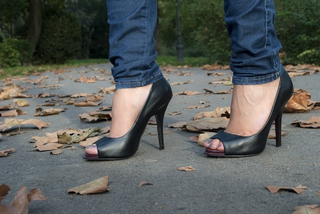 女孩高跟鞋 版權商用圖片