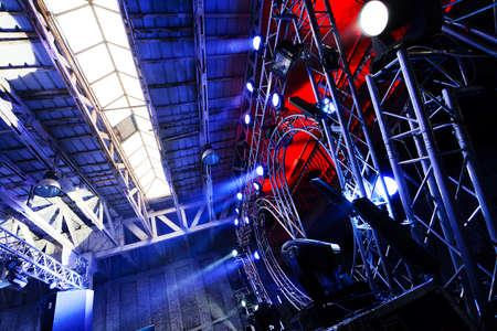 Multiple spotlights on a outdoor concert lighting rig