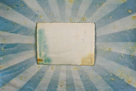 sun burnt: Sunburst Grunge retro paper background with frame for photo or text