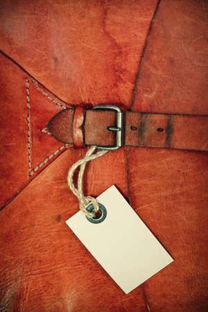 Vintage texture in pelle di sfondo con tag regalo