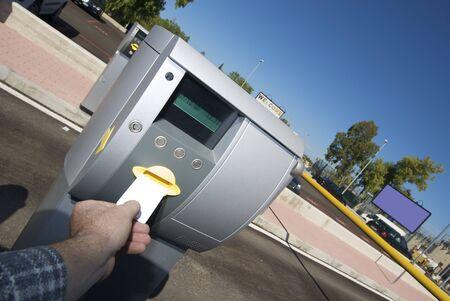 pagando: la inserci�n de billete para zona de aparcamiento