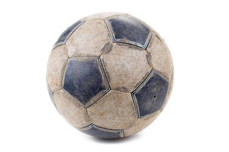futbol soccer: Balón de fútbol sucio aislado sobre fondo blanco