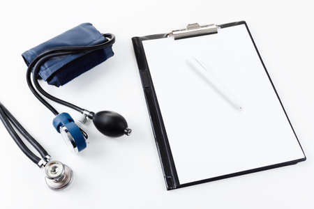 stetoscope: Medical equipment - stetoscope and tonometer for the measurement of blood pressure.