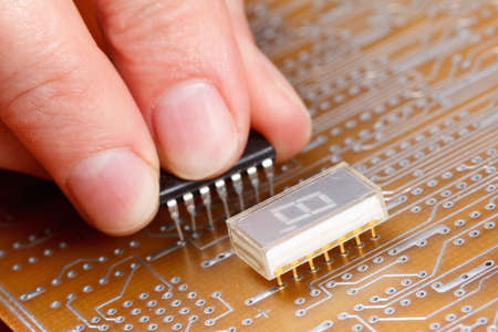 computer devices: Assembly of electronic components on a printed circuit board