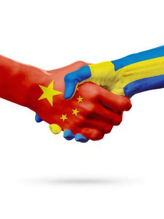 Land-, Händedruckzusammenarbeits-, Partnerschafts-, Freundschafts- oder Sportteamwettbewerbskonzept der Flaggen China, Schweden, lokalisiert auf Weiß Standard-Bild - 75264830