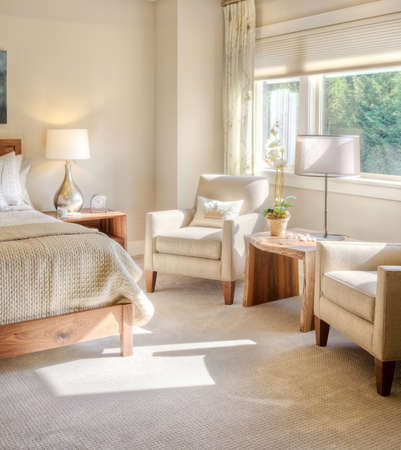 Beautiful Bedroom Detail on Sunny Day in New Luxury Home Stockfoto