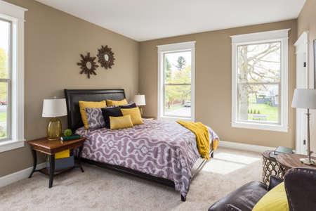 Ingerichte slaapkamer interieur in nieuw huis