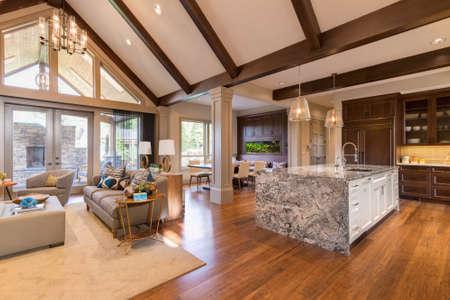 Ingerichte woonkamer in luxe huis Stockfoto