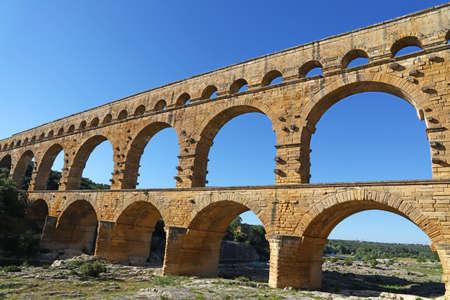 Pont du Gard, an ancient Roman aqueduct bridge that crosses the Gardon River in Provence, Southern France Banque d'images