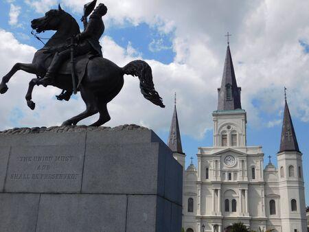New Orleans Editöryel