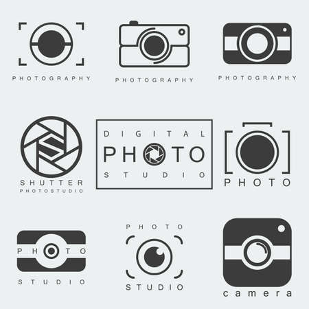 黒写真アイコンは、分離の白い背景を設定します。写真スタジオのエンブレム。カメラの絵文字や記号。ベクトル図