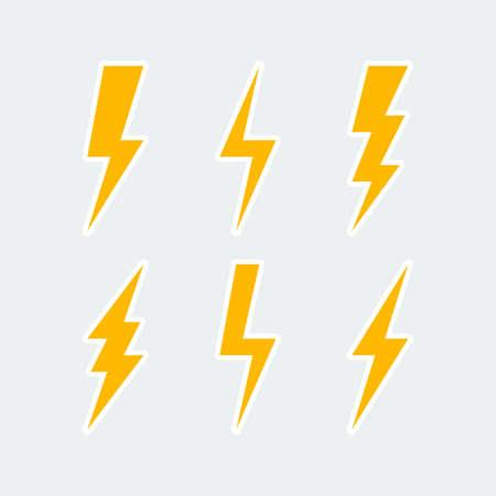 bliksemschicht pictogrammen instellen, blikseminslag teken of flash symbool. geïsoleerd op grijze achtergrond. vector illustratie