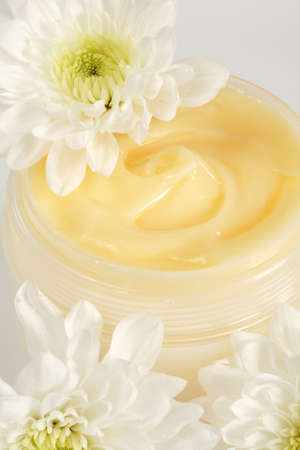 moisten: Face or body cream