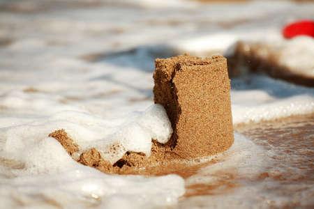 destroyed: Sandcastle - Konzept, dass speichern Geb�ude