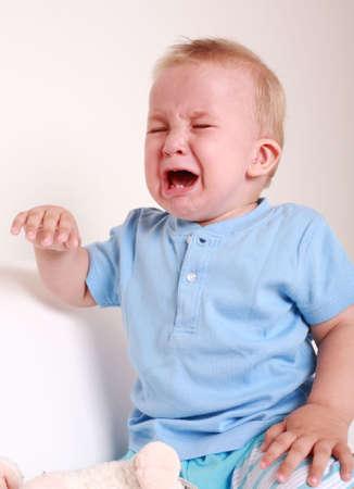 bambino che piange: Ritratto di bambino piangere