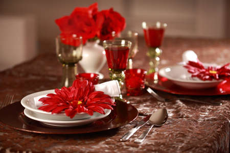 Luxury place setting in red and white  for Christmas or other event Stock Photo - 6688553
