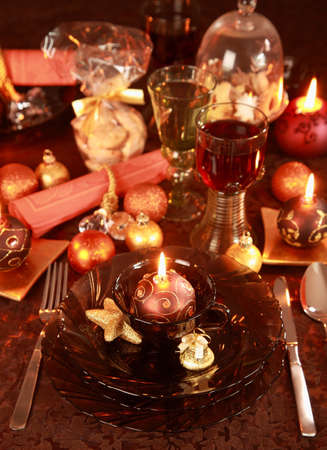 Luxury place setting in golden and brown  for Christmas Stock Photo - 7609848