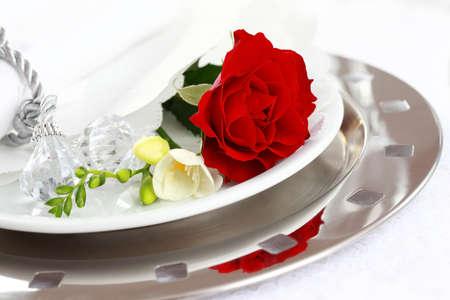 diner romantique: Param�tre de table festive pour mariage, Saint-Valentin ou autre �v�nement Banque d'images
