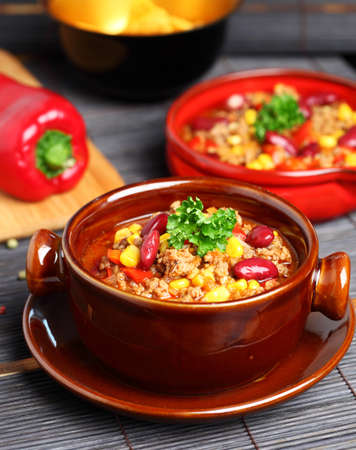 basic food: Bowl of chili with peppers and beans