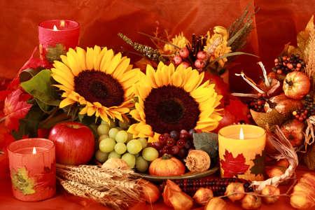 accion de gracias: Still life y decoraci�n de cosecha o tabla de acci�n de gracias