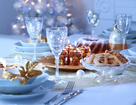 balls decorated: Place setting for Christmas in blue and white tone