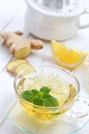 ginger health: Ginger tea with elder flower and mint