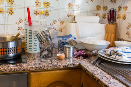 Messy kitchen in domestic household - Compulsive Hoarding Syndrom Foto de archivo