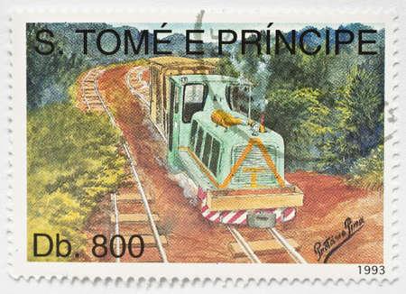 principe: SAO TOME Y PRINCIPE - CIRCA 1993 un sello de Sao Tom� y Principe imagen muestra de un tren, alrededor del a�o 1993