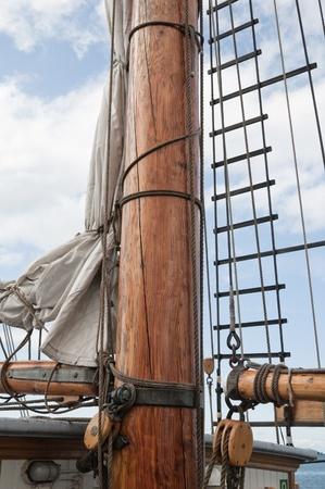 Alten Segelschiff Masten und Segel und Takelage Standard-Bild - 11140847