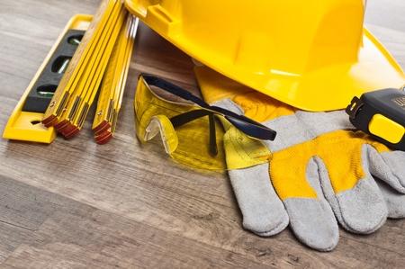 Standard construction safety equipment Standard-Bild