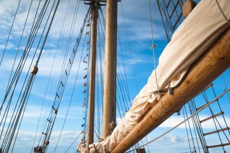 ruder: Mast eines alten Segelschiffes Lizenzfreie Bilder