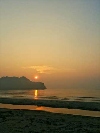 sol naciente: Sol naciente en Manao Bay