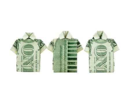 T シャツの写真で作られた 2 つ折りのドル札
