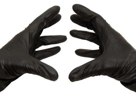 질식하는 두 개의 검은 색 손