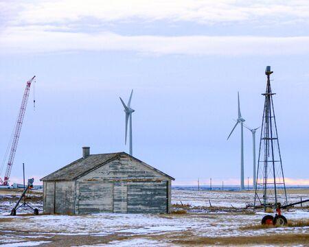 Old and new windmills Standard-Bild