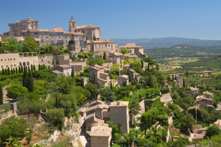 View of the hilltop village of Gordes   Provence, France   This village has a typical Provencal character   Standard-Bild
