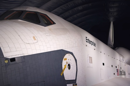 NEW YORK - SEP 19: Intrepid Sea, Air & Space Museum successfully transported space shuttle Enterprise to NYC. It was completed on July 19, 2012 upon the opening of Intrepid?s newest exhibition, the Space Shuttle Pavilion. Redakční