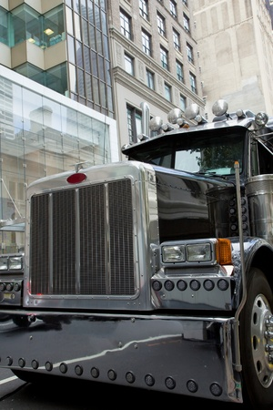 detailed shot: Detailed shot of the front tend of a truck in Manhattan  New York City