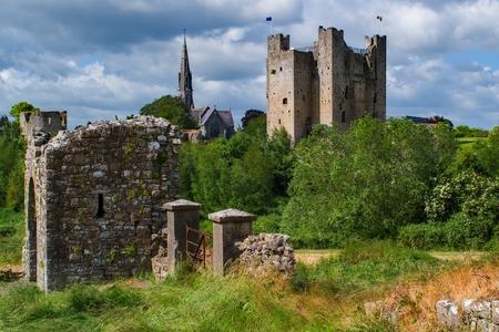 Trim Castle and Abbey Редакционное