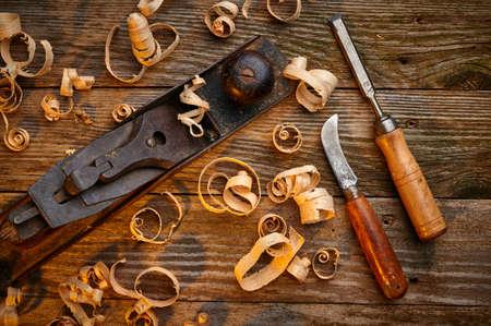 昔の道具のセットのオーバー ヘッド ビュー 写真素材