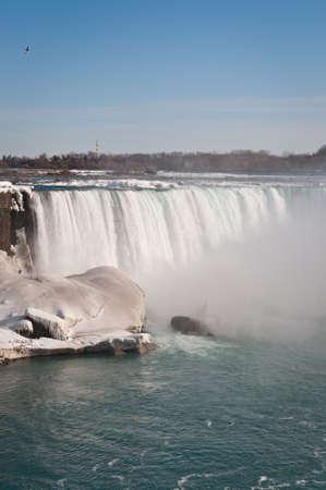나이아가라 강에서 겨울에 미국 폭포입니다. 스톡 콘텐츠
