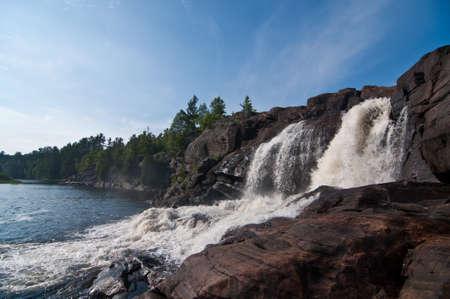 Muskoka, 온타리오, 캐나다에서 Muskoka 강 폭포.