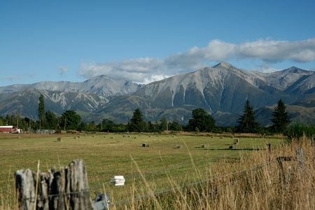 nz: Canterbury Plains, view to Southern Alps, NZ. Stock Photo