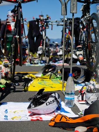 cycles: Tauranga, Nouvelle Z�lande, 8 janvier 2010 Port de Tauranga Half Ironman, des cycles et des engins dans le cycle de la zone de transition.