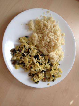 朝食の卵のクスクス