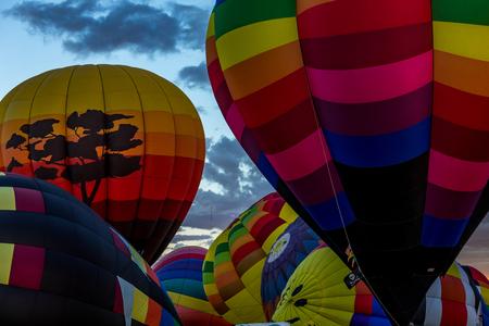 hot air balloons: Hot Air Balloons fly over the city of Albuquerque, New Mexico Stock Photo