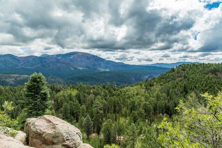 Cebollita Mesa is an 8,736 foot mountain peak in northern New Mexico neat the Valles Caldera. 版權商用圖片