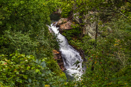One of the most spectacular canyons in the eastern U.S., Tallulah Gorge is two miles long and nearly 1,000 feet deep. Banco de Imagens